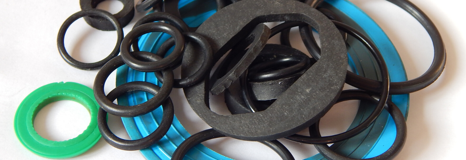 assemblaggio guarnizioni oring con grasso siliconico