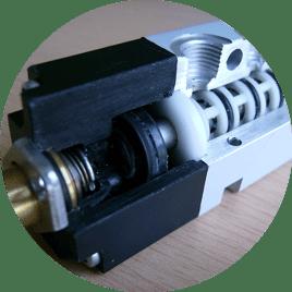 dettaglio lubrificazione guarnizioni pneumatica